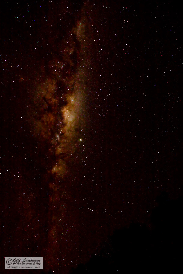 Jupiter in the middle, Messier 7 (or M7) and Milky Way - see also the Redshift screen capture. (30 sec, f/4,0, ISO1600)