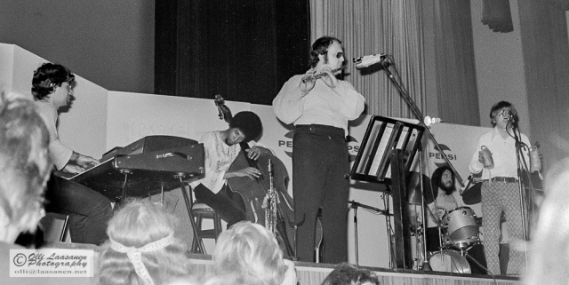 Return to Forever in Pori Jazz 1972 - Chick Corea (p), Stanley Clarke (b), Joe Farrell (sax, fl), Airto Moreira (perc), Billy Tragesser (voc)