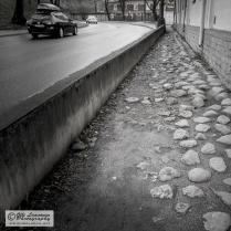 A cobblestone sidewalk next to Rannamäe tee