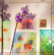 Collage of live and painted art. - Elävän ja maalatun taiteen kollaasi.