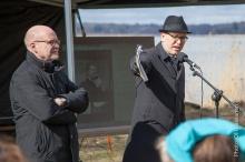 Kaupungin tiedottaja Jussi Karmala kertoo tapahtumasta - ja tarkkasilmäinen saattaa nähdä videoruudulla apulaiskaupunginjohtaja Pekka Saurin, joka oli samaan aikaan Tallinnan vastaavassa tilaisuudessa.